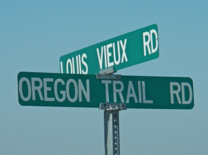 Road sign near Vieux Crossing along the Oregon Trail.